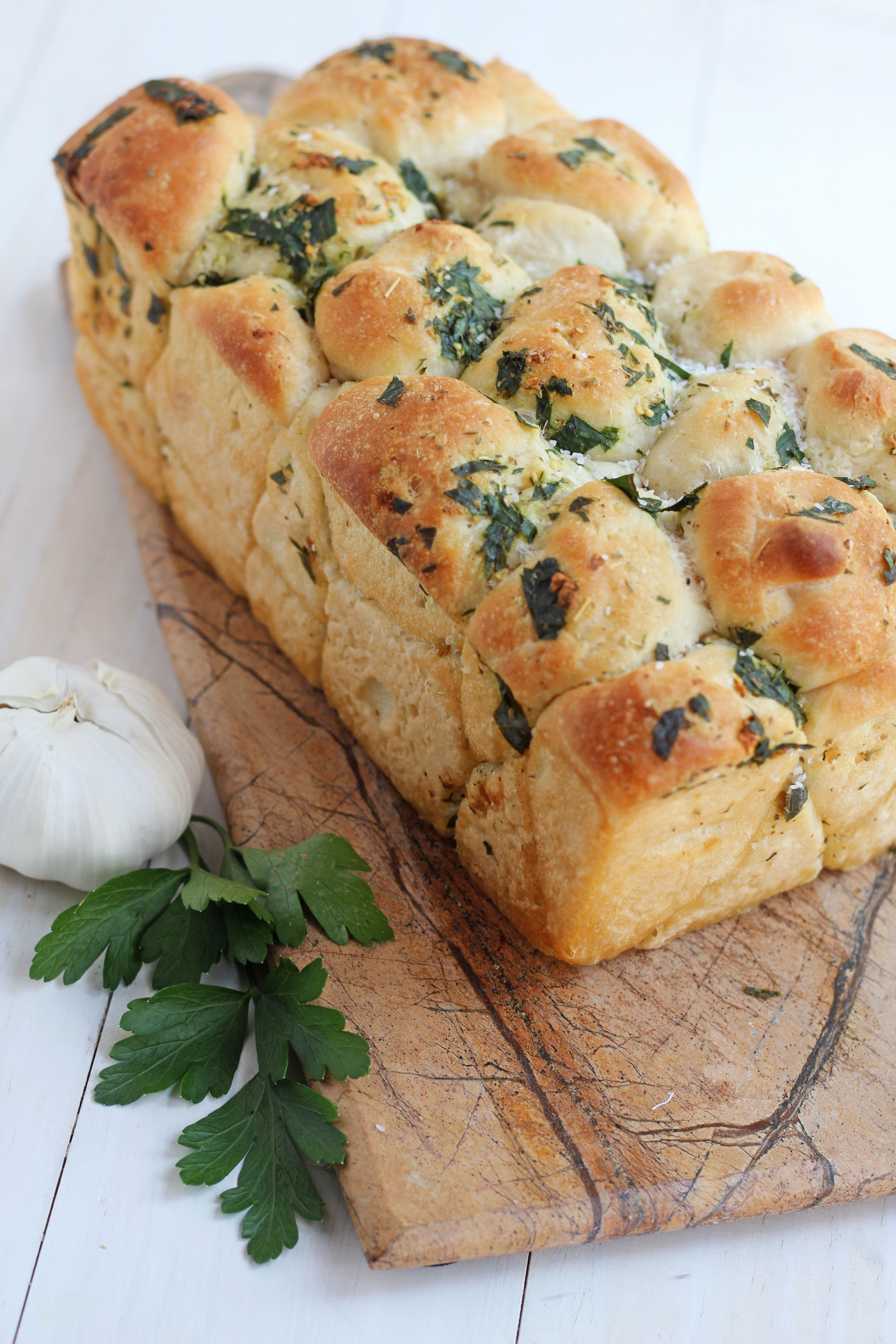 Pull Apart Garlic Bread --Easy and delicious homemade pull apart ...
