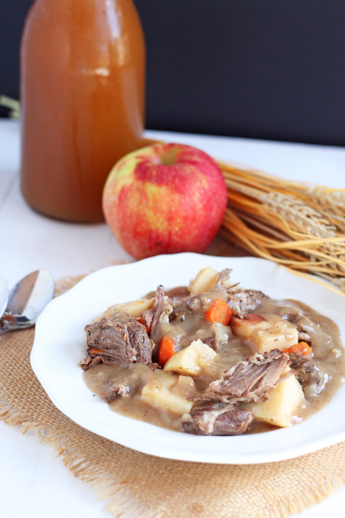 Apple Cider Beef Stew -- easy slow cooker meal combines the flavors of apple with classic beef stew.| gatherforbread.com