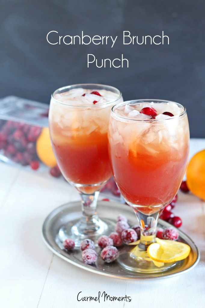 Cranberry Brunch Punch - Only 4 ingredients. So simple. Mix up in minutes!| gatherforbread.com